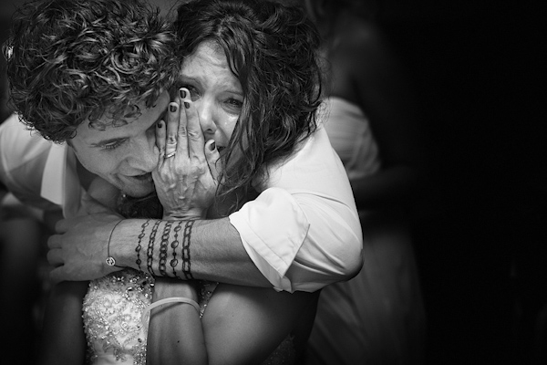 emotional wedding photo by Daniele Vertelli Photographer | via junebugweddings.com
