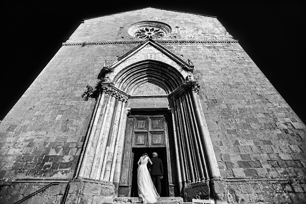 wedding photo by Italy wedding photographer Daniele Vertelli | via junebugweddings.com