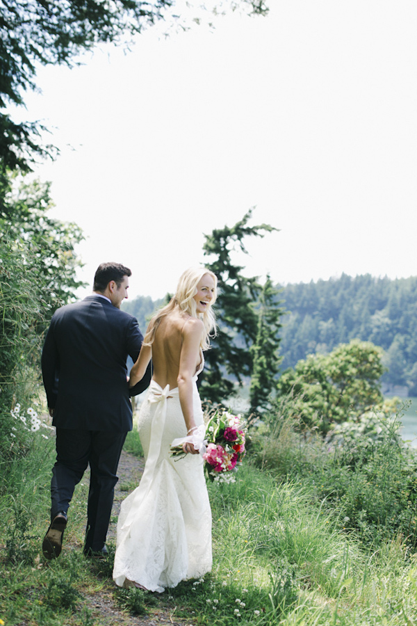 wedding photo by Michele M. Waite, Seattle, Washington wedding photographer | via junebugweddings.com