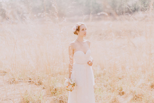 romantic wedding photo by Dylan and Sara, Portland, Oregon | via junebugweddings.com
