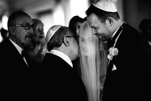 wedding ceremony photo by Jacklyn Greenberg of JAGstudios | via junebugweddings.com