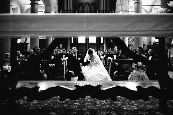wedding ceremony photo by Julian Kanz | via junebugweddings.com