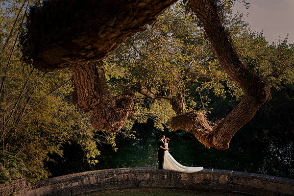 gorgeous wedding location venue photo by Stephan Maloman of Maloman Studios | via junebugweddings.com