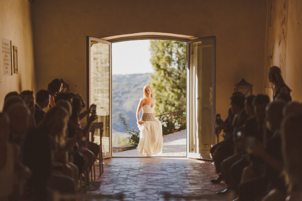 destination wedding photo by Ed Peers | via junebugweddings.com