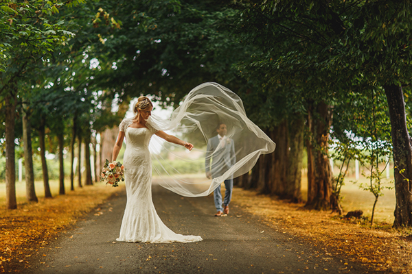 Interview with ARJ Photography | Junebug Weddings