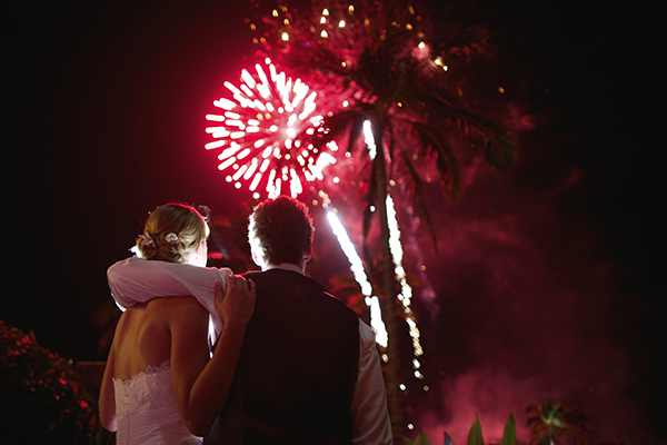 fireworks photo by Anna Kim Photography | via junebugweddings.com