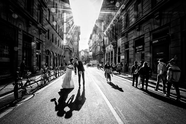 photo by Riccardo Pieri - Italy wedding photographer | via junebugweddings.com
