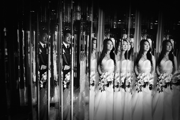 wedding photo by Avant Garde Studio   via junebugweddings.com