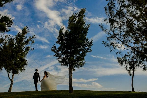 wedding photo by Daniel Diaz Photographer   via junebugweddings.com (24)