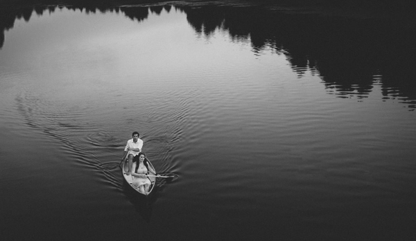 engagement photography with canoe