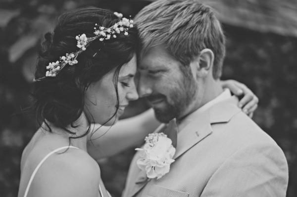 Woodsy-Vancouver-Island-Wedding-13-600x399