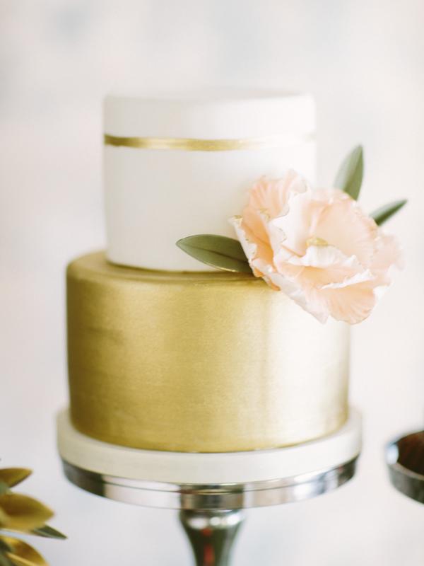 Wedding Cake Inspiration - 10 Amazing Wedding Cakes | Junebug Weddings