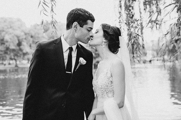 Classic-Wedding-Union-Club-Boston-Janet-Moscarello-18-of-32-600x399