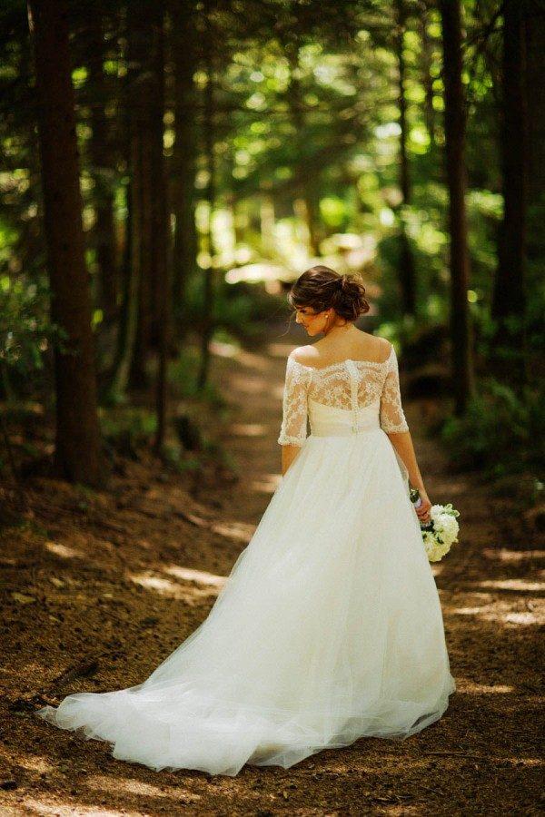 Timeless-Wedding-LeMay-Car-Museum-Ryan-Flynn-15-of-31-600x900