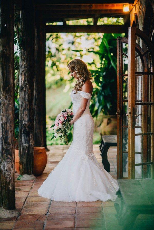 Romantic-Puerto-Rican-Wedding-Hacienda-Siesta-Alegre-Evan-Rich-14-of-47-600x899