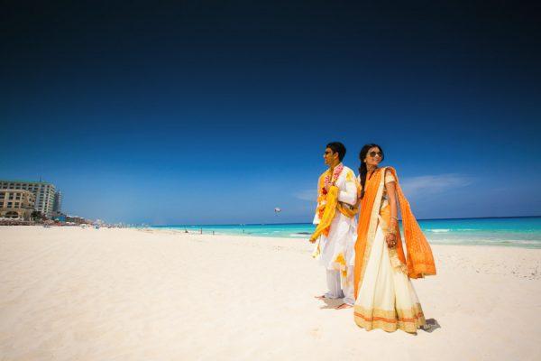 Destination-Wedding-Cancun-Callaway-Gable-Junebug-Weddings-16
