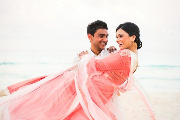 Destination-Wedding-Cancun-Callaway-Gable-Junebug-Weddings-31