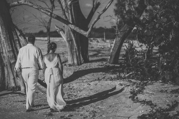 Photographing Beach Weddings - Junebug Weddings