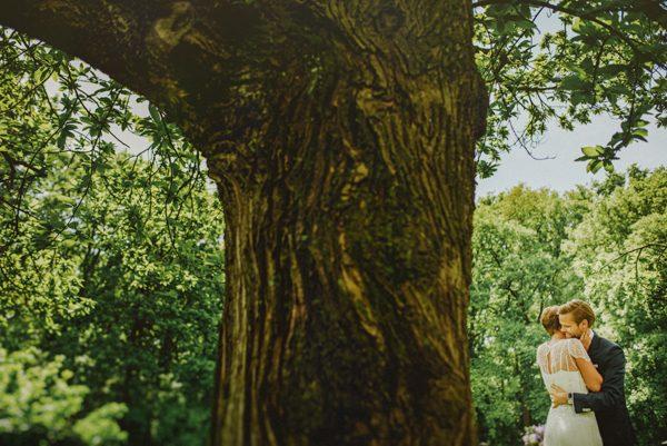 Fer-Juaristi-Outdoor-Wedding-Junebug-Weddings-11