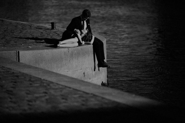 Parisian-Anniversary-Shoot-Alessandro-Veronica-Junebug-Weddings-57