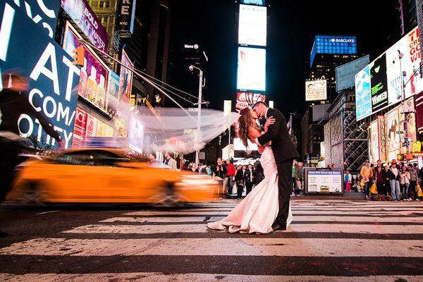 Dina-Chmut-Photographer-Spotlight-Interview-Junebug-Weddings-14