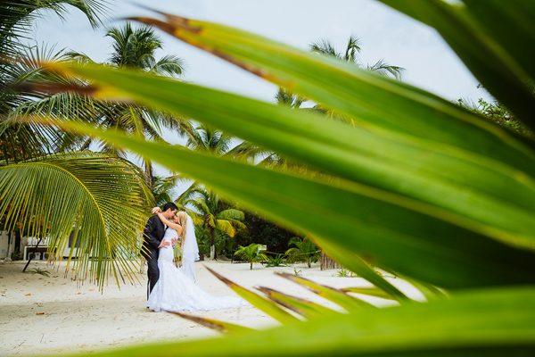 Dina-Chmut-Photographer-Spotlight-Interview-Junebug-Weddings-22