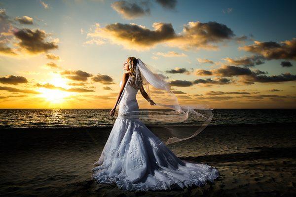 Dina-Chmut-Photographer-Spotlight-Interview-Junebug-Weddings-23