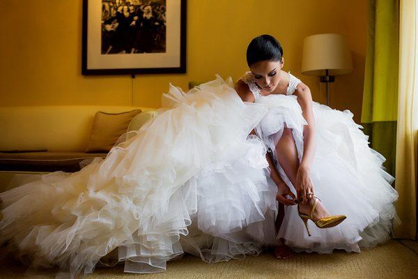 Dina-Chmut-Photographer-Spotlight-Interview-Junebug-Weddings-25