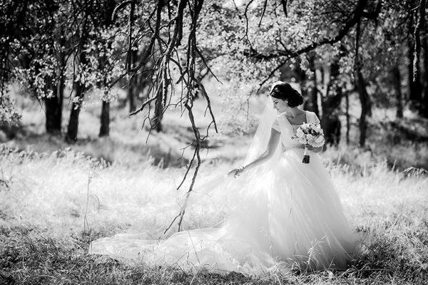 Dina-Chmut-Photographer-Spotlight-Interview-Junebug-Weddings-27
