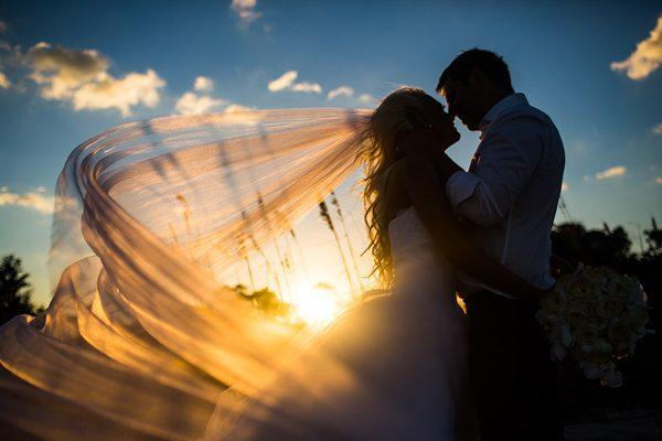 Dina-Chmut-Photographer-Spotlight-Interview-Junebug-Weddings-30