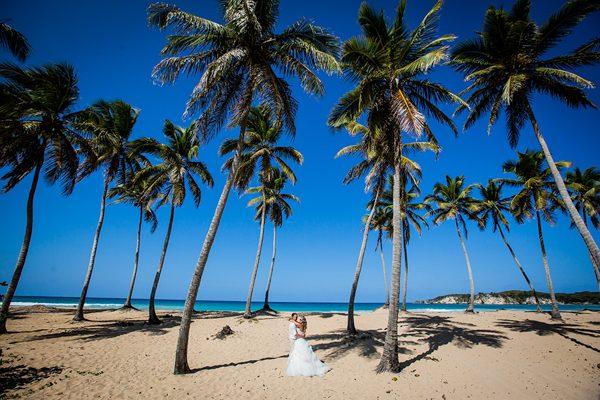 Dina-Chmut-Photographer-Spotlight-Interview-Junebug-Weddings-7