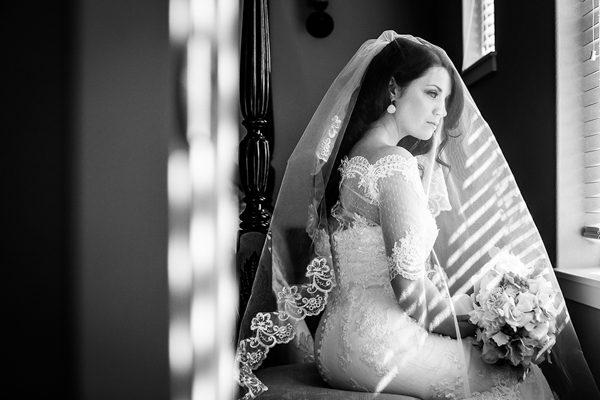 Dina-Chmut-Photographer-Spotlight-Interview-Junebug-Weddings-9