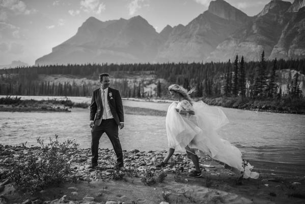 adventure-sessions-carey-nash-photography-junebug-weddings-40