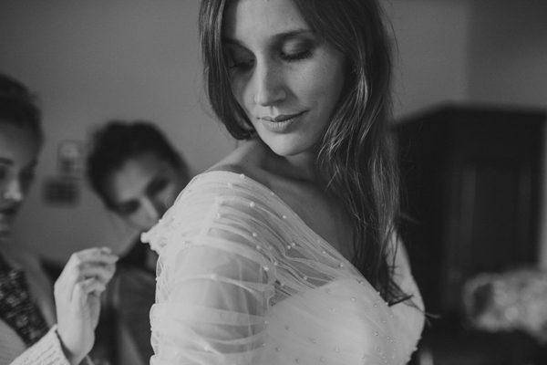 intimate-wedding-iceland-david-latour-junebug-weddings-7
