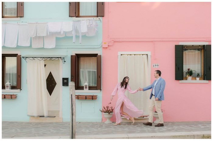 couple pink and blue movement