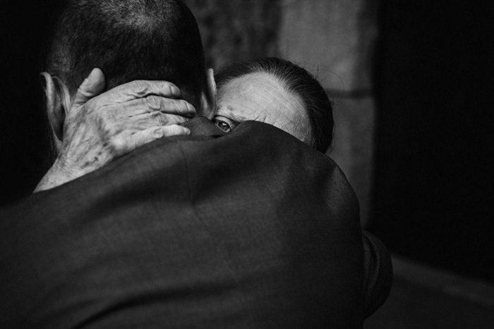 emotional wedding photo 2020