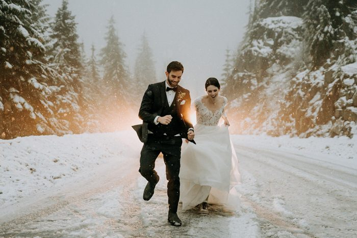 snow wedding photo 2020