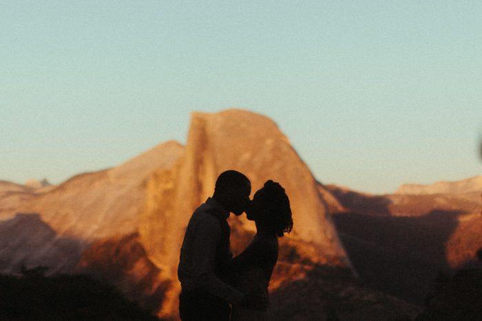couple shape with yosemite mountain